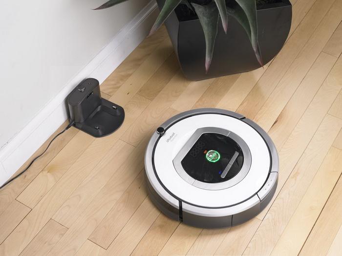 Робот-пылесос iRobot Roomba и его зарядная станция