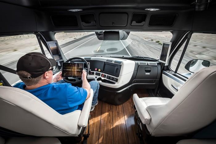 Беспилотный грузовой автомобиль Inspiration