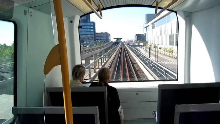 Беспилотные поезда в Дубайском метрополитене