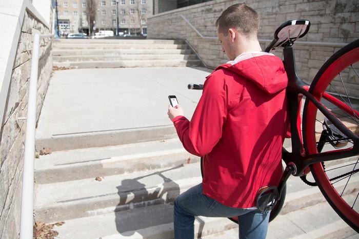 Vanhawks Valour – велосипед с управлением через смартфон
