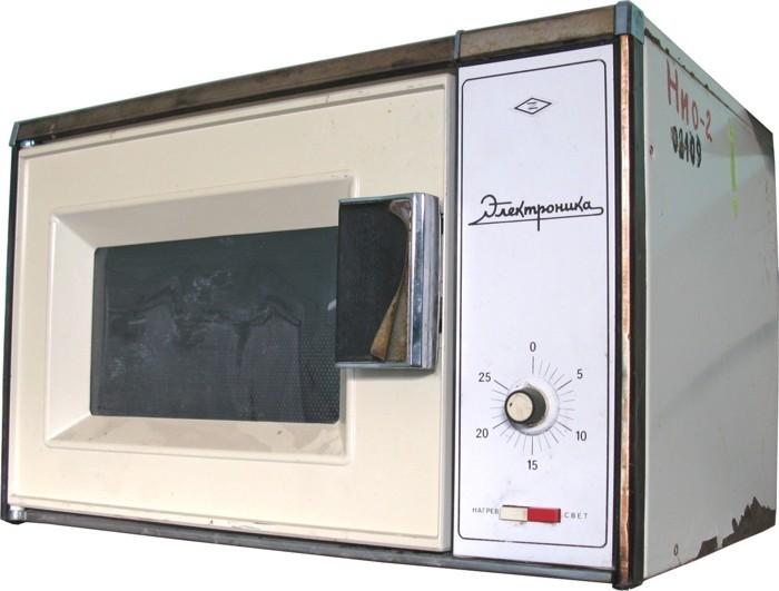 Советская микроволновка Электроника 1984 года