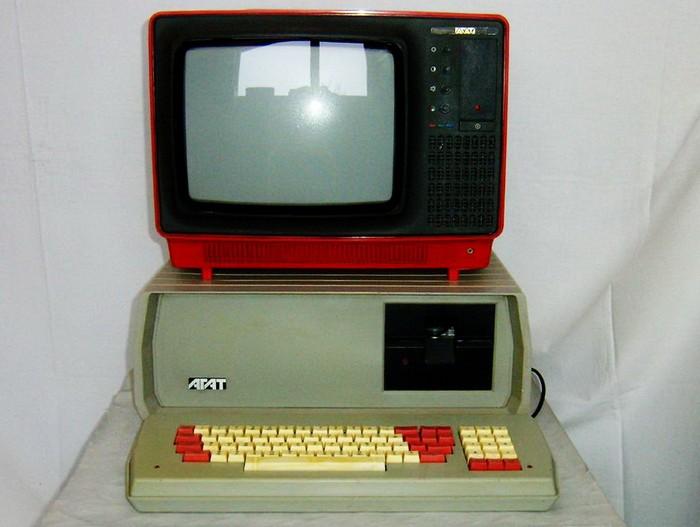 Советский персональный компьютер Агат-4