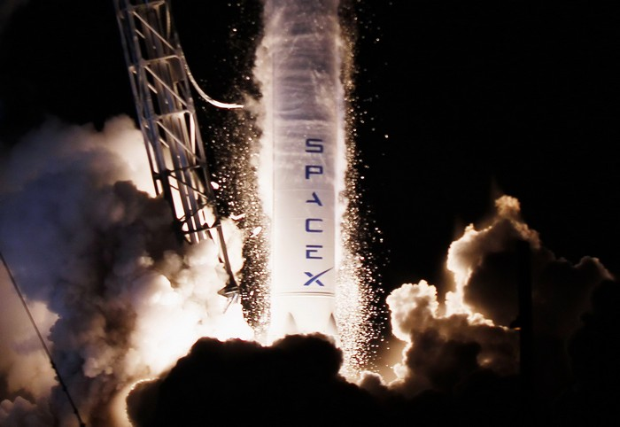Старт ракеты Falcon 9 от компании SpaceX