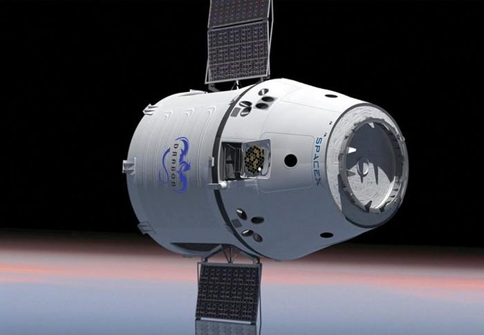 Космический челнок Dragon от компании SpaceX