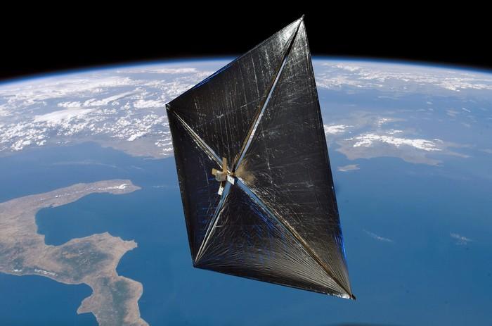 Солнечный парус NanoSail-D2