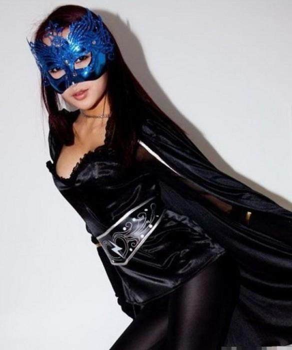 Китайская девушка-супергерой Zijing Woman
