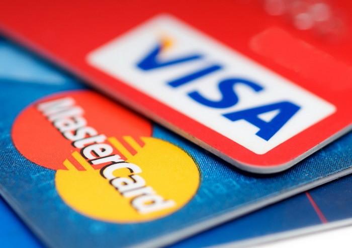 Банковские карточки Visa и Master Card