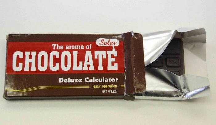 Плитка шоколада с калькулятором hocolate Deluxe Calculator внутри