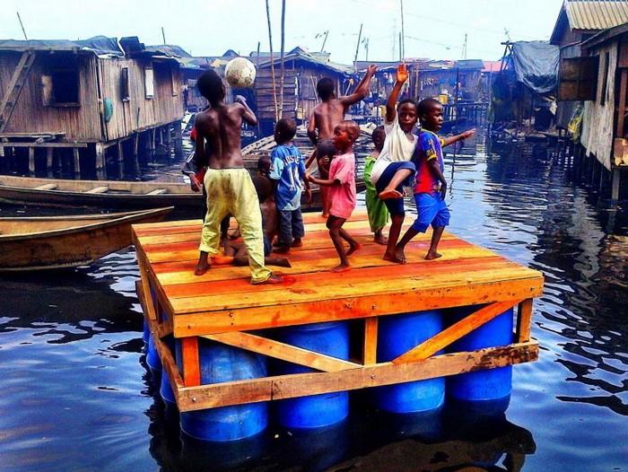 Плавающая школа в Нигерии