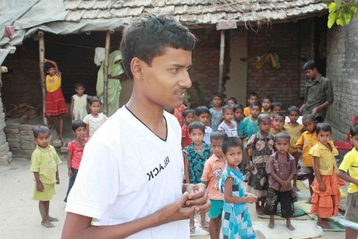 Бабар Али – девятилетний школьный учитель