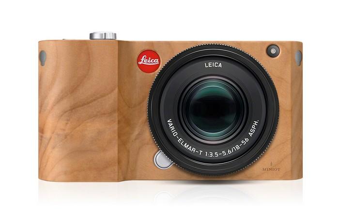 Дерев'яна версія легендарного фотоапарата Leica T