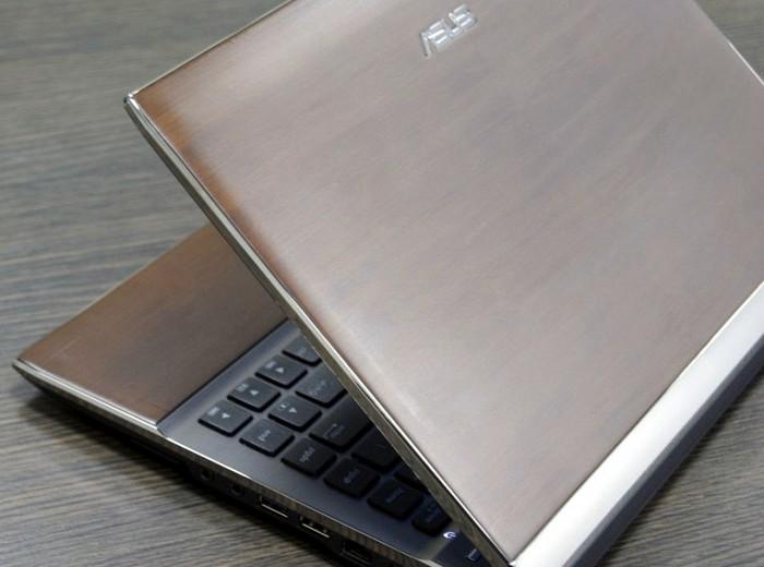 Asus Bamboo - стильні ноутбуки з обробкою з бамбука