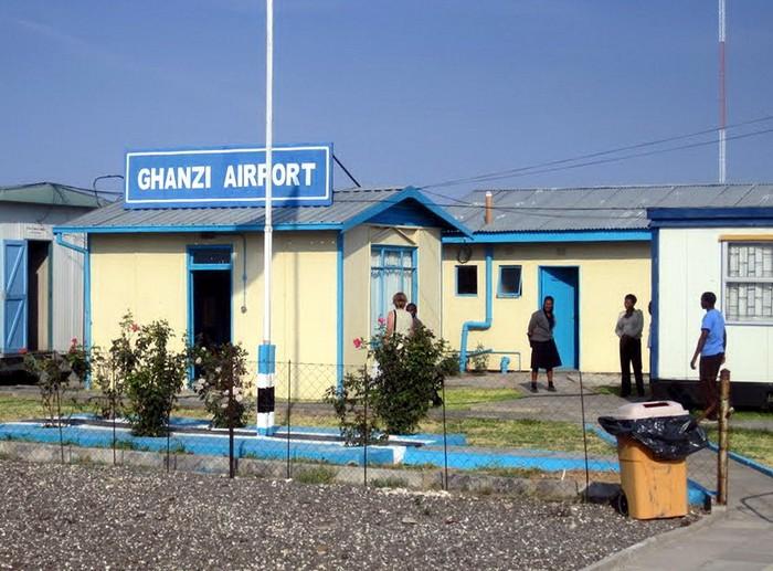 Предельно простой терминал аэропорта Ганзи в Ботсване