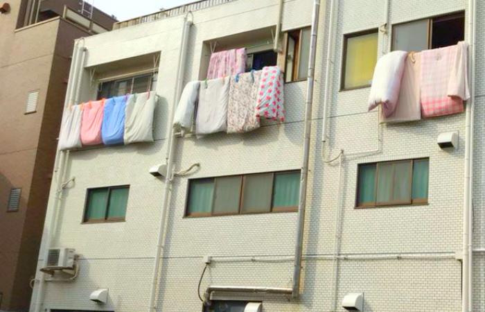 Зачем в Японии выставляют матрасы на солнце?