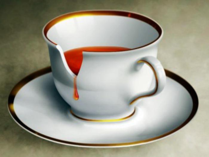 Чашки со сколами.| Фото: dpchas.com.ua.