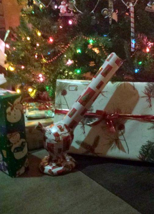 Подарки под елочкой.