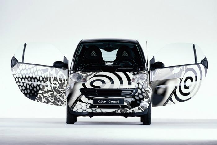 Автомобиль City Coupe Daimler-Benz и Swatch.