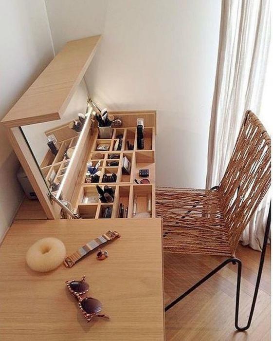 Стол с подъемной столешницей. | Фото: artmyideas.