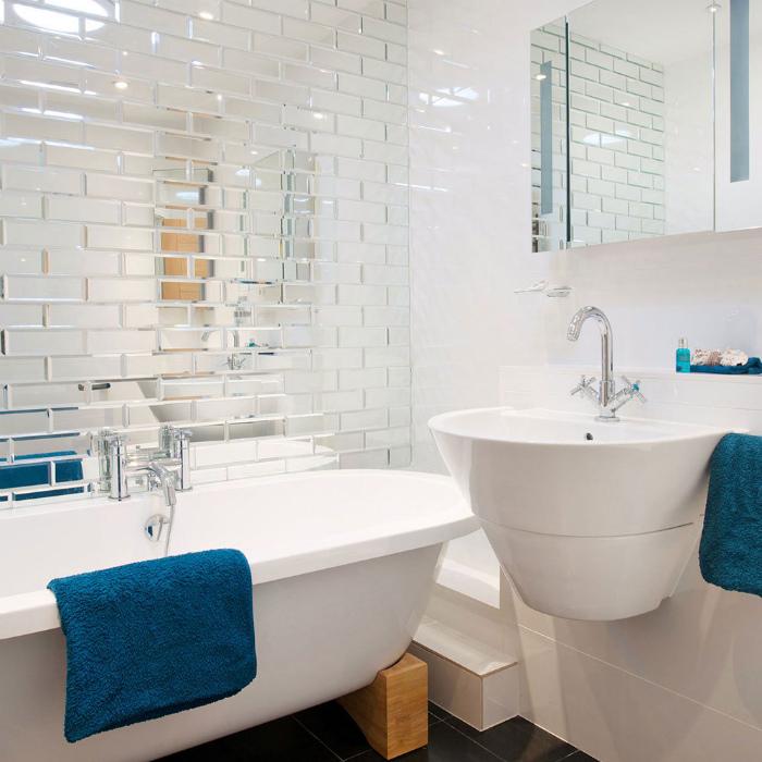 Зеркальная и глянцевая плитка.| Фото: Design-homes.ru.