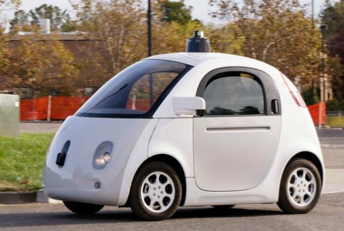 Автомобиль с беспилотной системой управления.