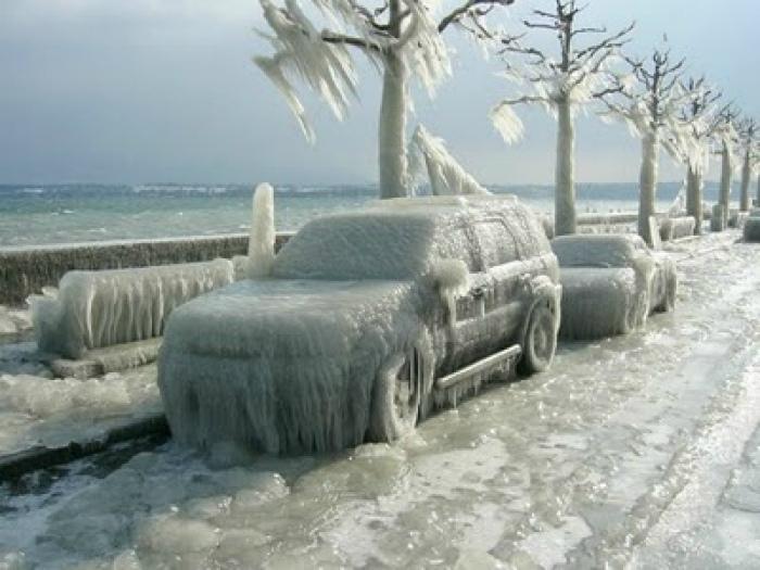 Зря они припарковались у моря. | Фото: Большая Куча.