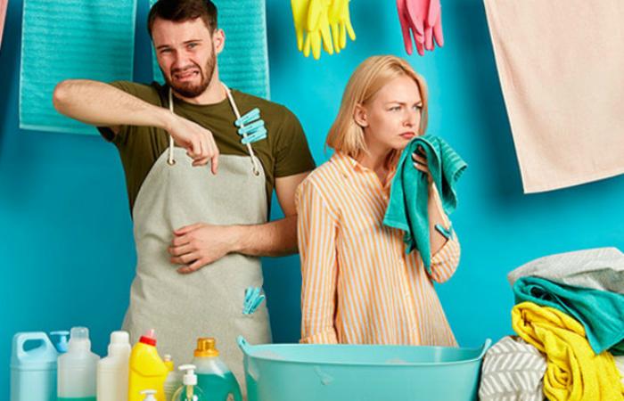 Эффективные способы, которые помогут освежить одежду без стирки.