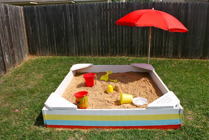 Самодельная песочница.