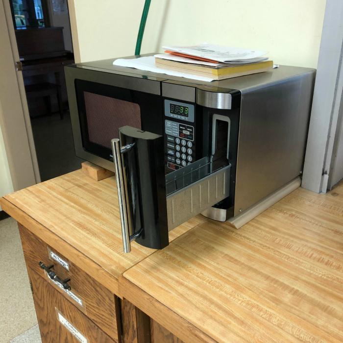 Микроволновая печь с дополнительными возможностями. | Фото: Reddit.