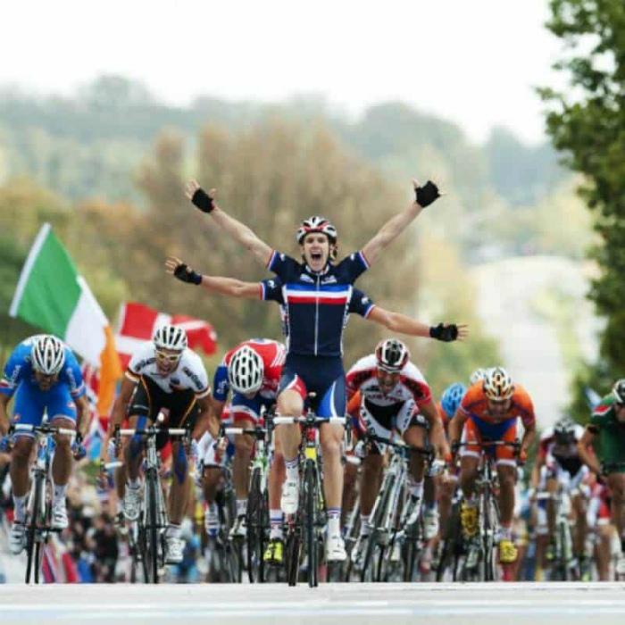 Рулил в четыре руки. | Фото: TCMag.com.