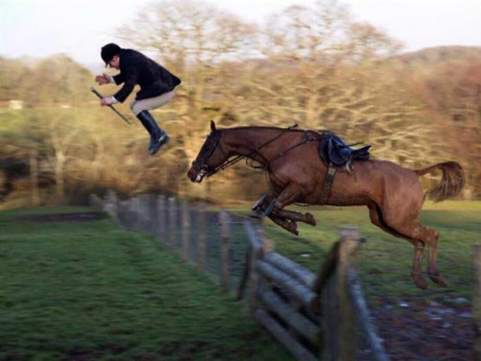 Кажется, мужчина финиширует раньше коня! | Фото: Reddit.