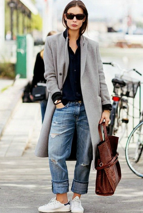 Удобный наряд с длинным пальто.