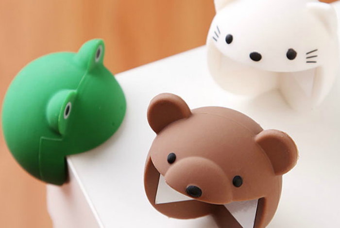 Яркие силиконовые накладки на углы в виде милых зверей, которые защитят детей от травм.