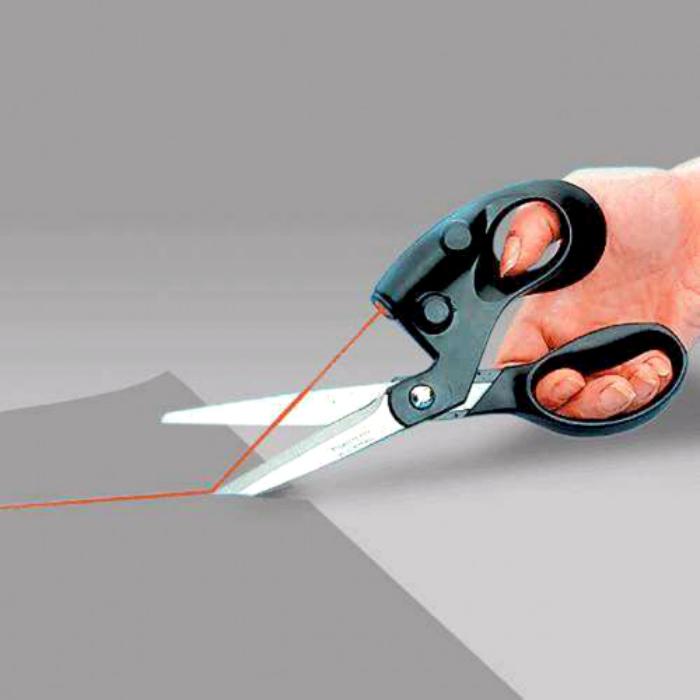 Ножницы с лазерной указкой.