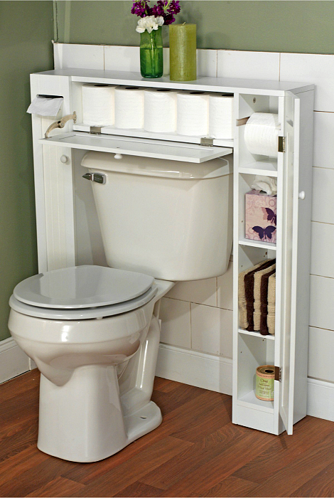 П-образный стеллаж в туалете.