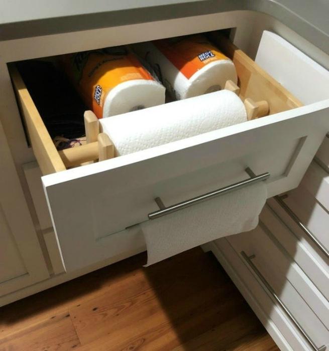 Функциональный шкафчик для полотенец. | Фото: Diply.