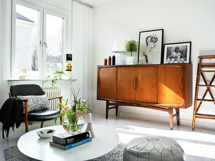Выбрасывать и менять всю мебель.