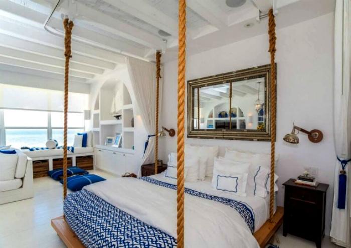 Изумительная спальня в морском стиле.