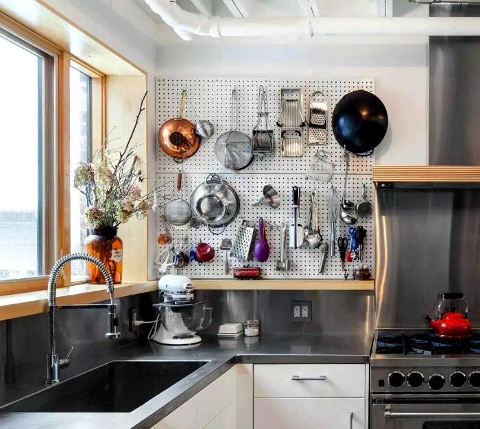 Доска пегборд. | Фото: Roomble.com.