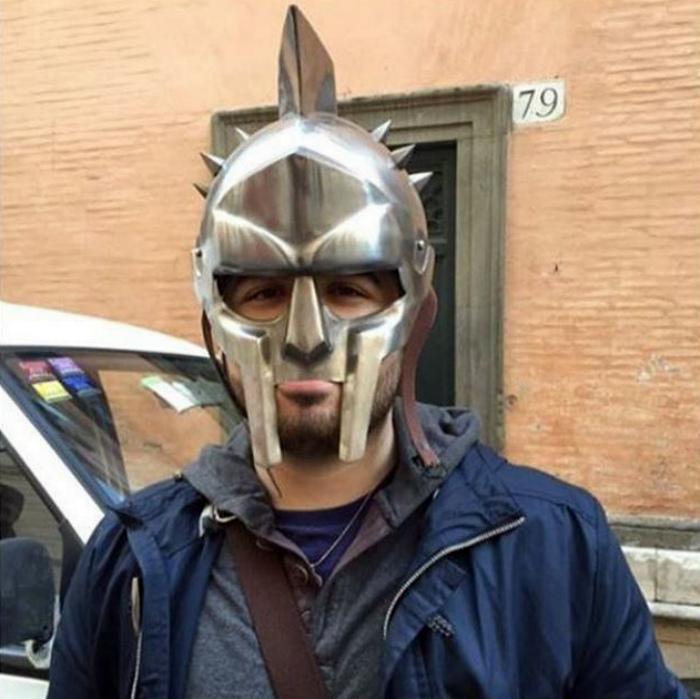 Отобрали маску, зануды! | Фото: MADE IN CCCP.