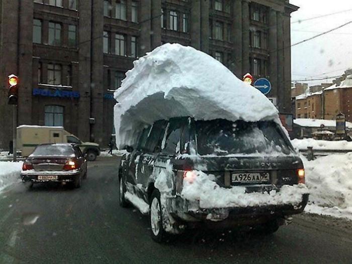«Зачем чистить машину, если на ночь снова обещают снег!?»