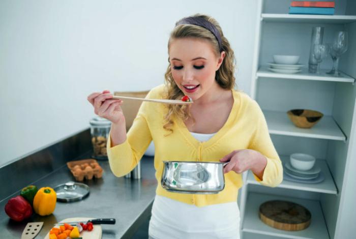 Не пробовать блюдо во время готовки.