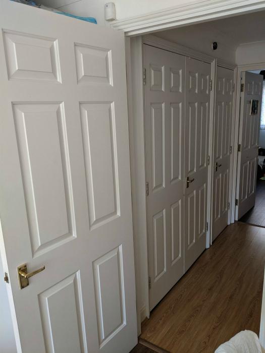 Слишком много дверей. | Фото: Reddit.