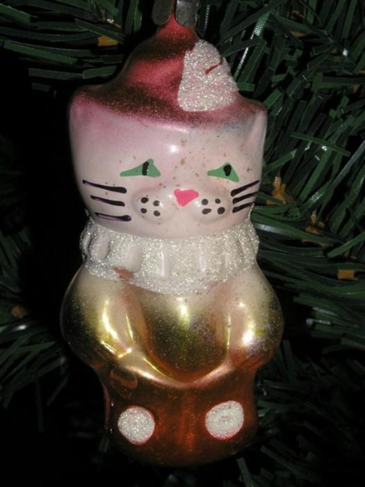 Сказочный котик из стекла.