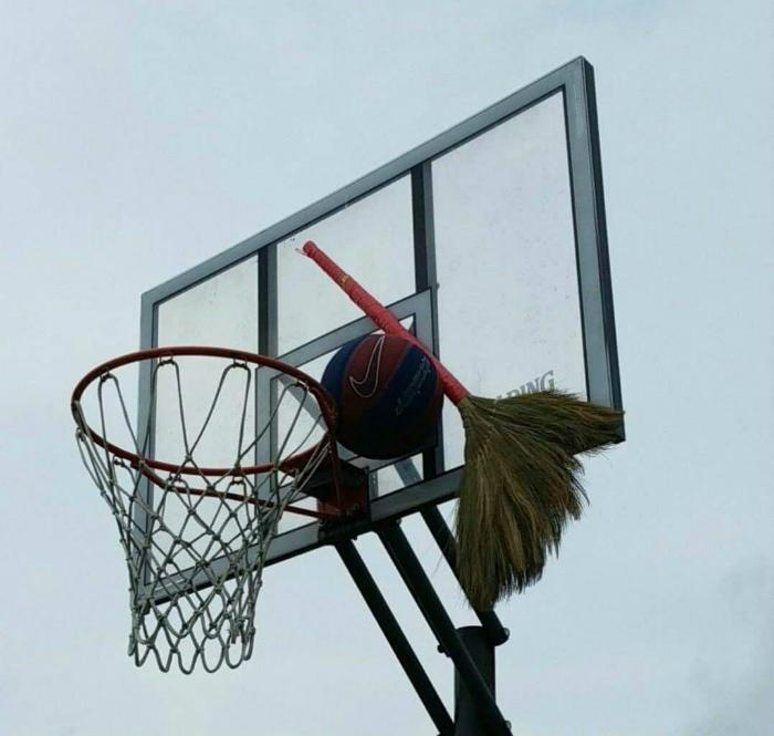 «Вот и поиграли в баскетбол!»