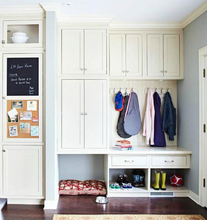 Встроенный шкаф в прихожую. | Фото: Ремонт без проблем.