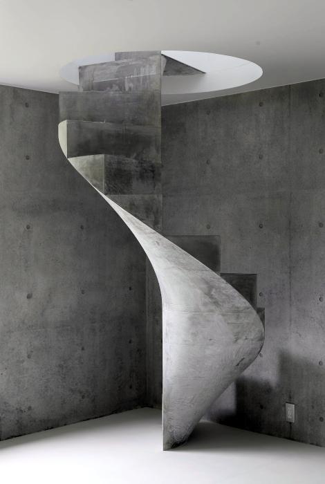 Спиральная лестница из бетона.