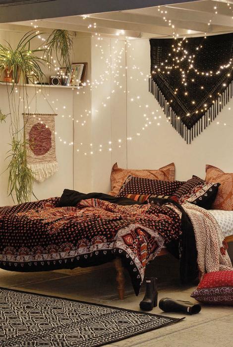 Спальня в жанре бохо.