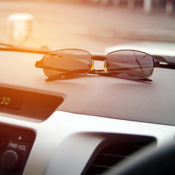 Хранение очков в авто.