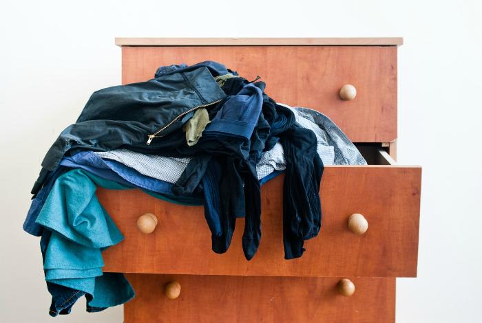 Кучи чистых вещей. | Фото: Inspirerend Wonen.