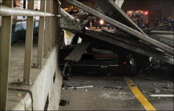 10 июля 2006 в тоннеле, по которому двигались автомобили, рухнул потолок весом около 25 тонн. Под обломками погибла женщина.